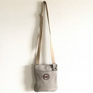 Michael Kors gray cross body leather purse bag